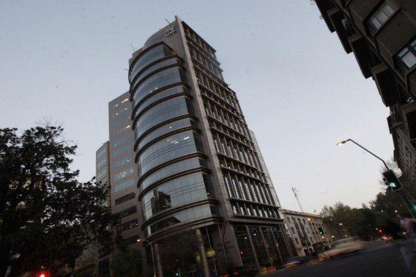 Cámara de Comercio de Santiago levanta alarmas por bloqueo de la banca a las operaciones de FinTech